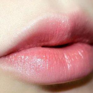 畫出理想唇線
